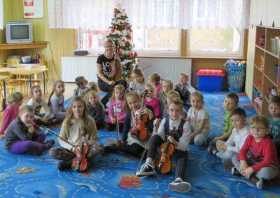 Zimowy koncert skrzypcowy dla dzieci z Przedszkola nr.7 w Wyszkowie / 2016