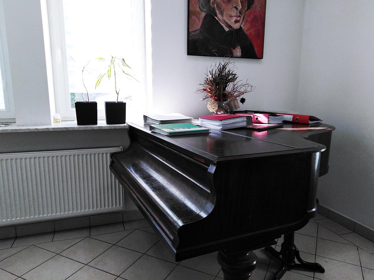 Sala do nauki gry na fortepianie w Szkole Muzycznej Miłość - Muzyka - Pasja w Wyszkowie